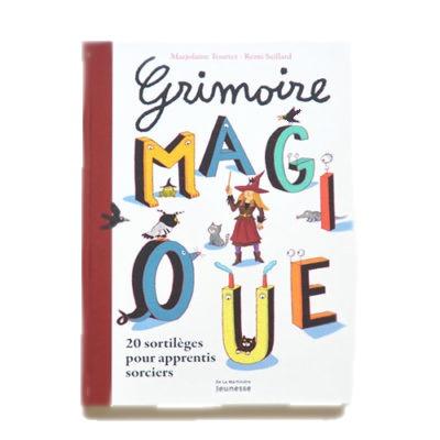 Couverture De Présentation En Portfolio Du Livre-jeu Grimoire Magique